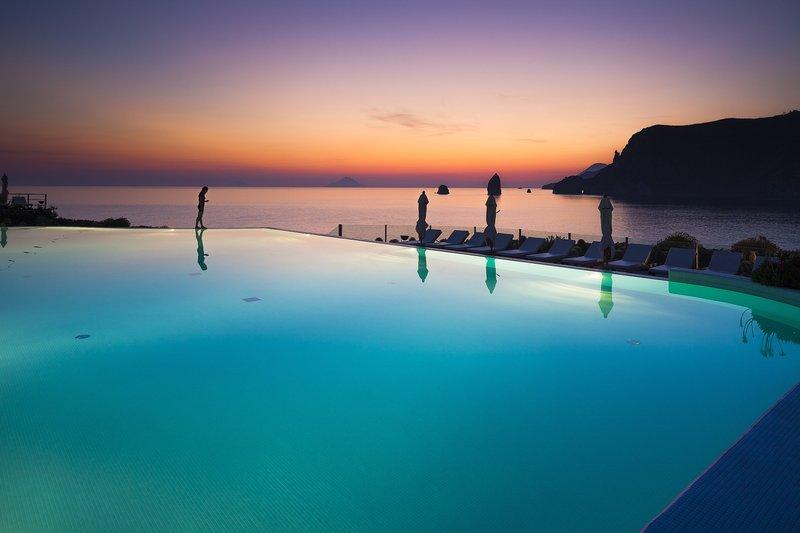Therasia Resort Sunset