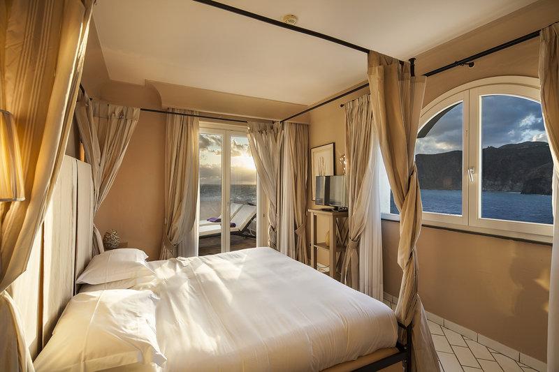 Lipari Suite