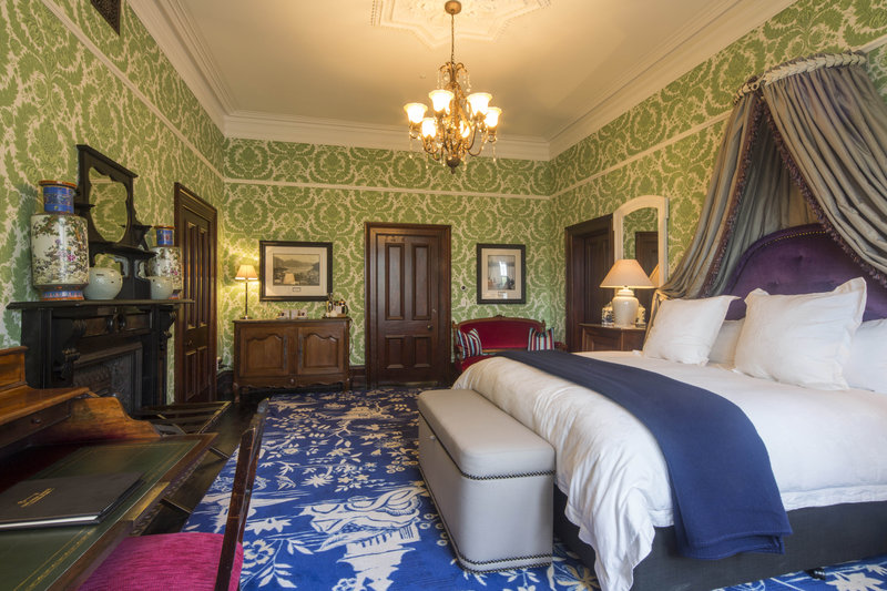 Premium Suite - Boult Suite Hulbet House