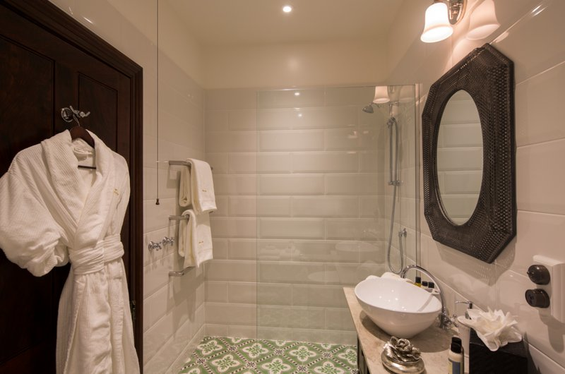 Premium Suite Bathroom Hulbert House
