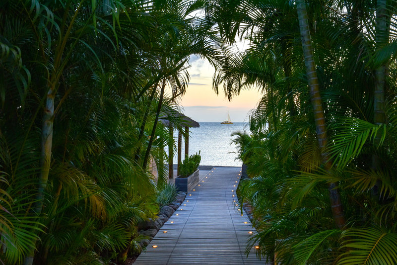 Walkway to the private Beach