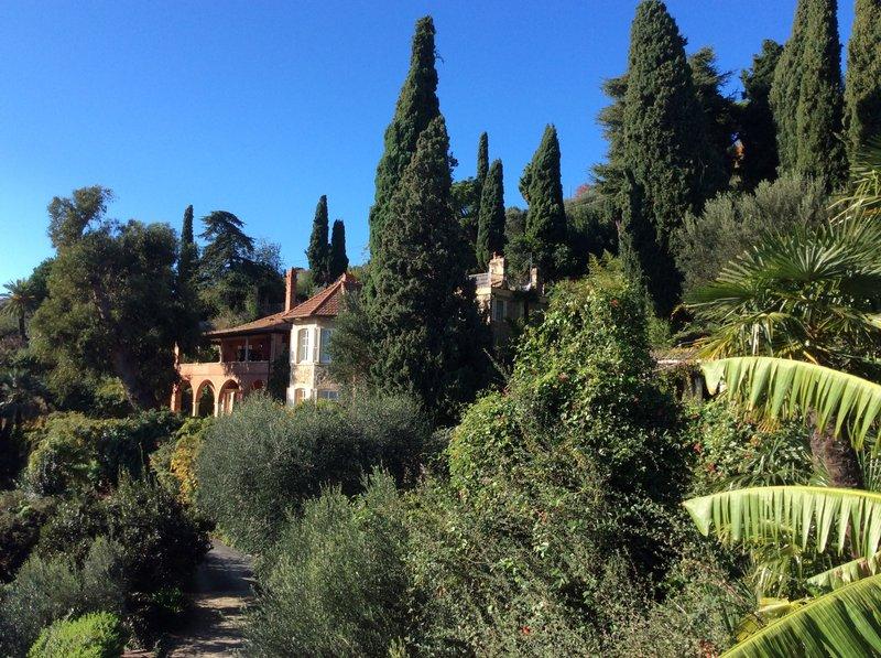 Villa Della Pergola sorrounded by the garden
