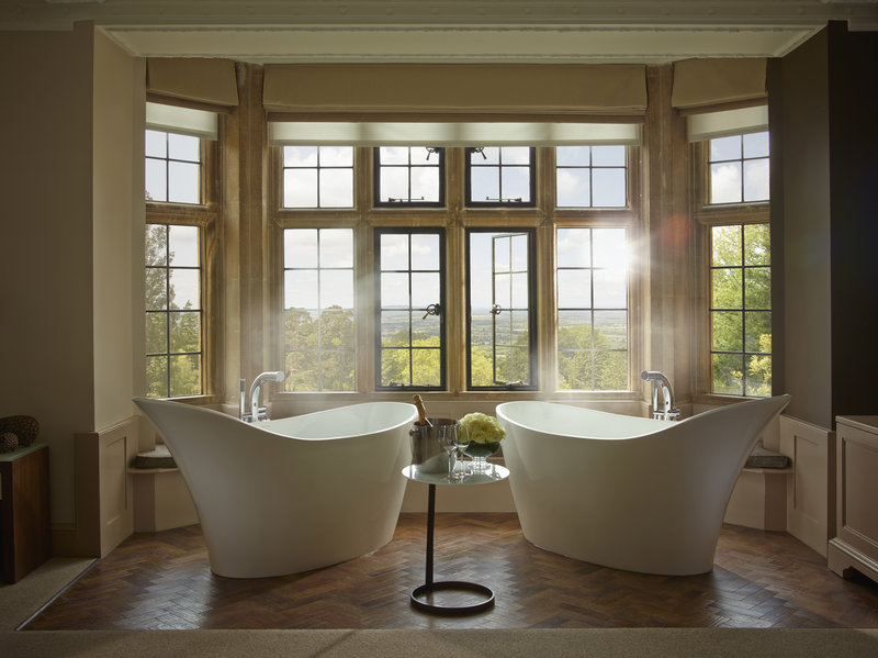 Oak Suite Bathroom