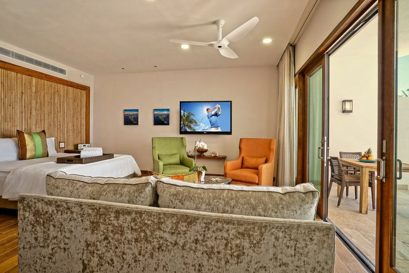 The Reef Beachfront Junior Suite