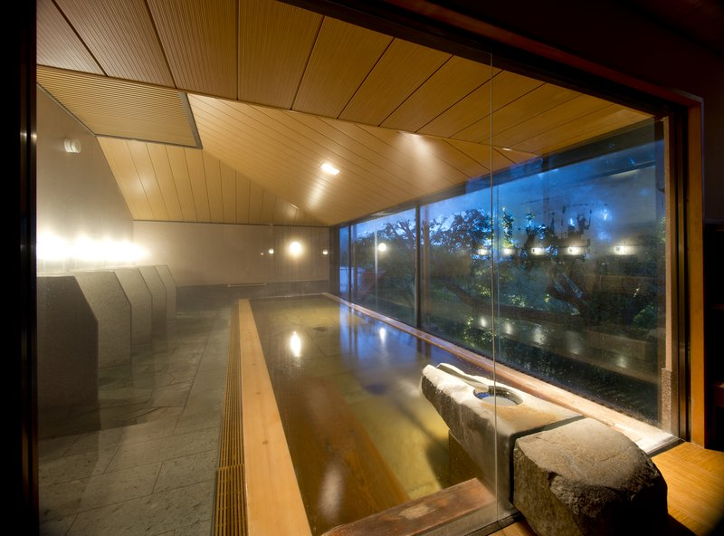 "Large Hot Spring ""Hisui"" has Sauna Room"