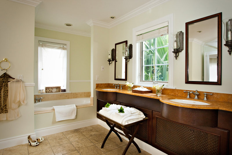 Ultra Atlantic Suite - Master Bathroom