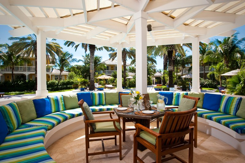 Hutching's Restaurant Poolside Dining
