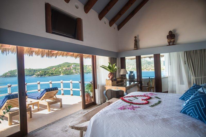 Villa El Murmullo – Oceanfront Penthouse Suite