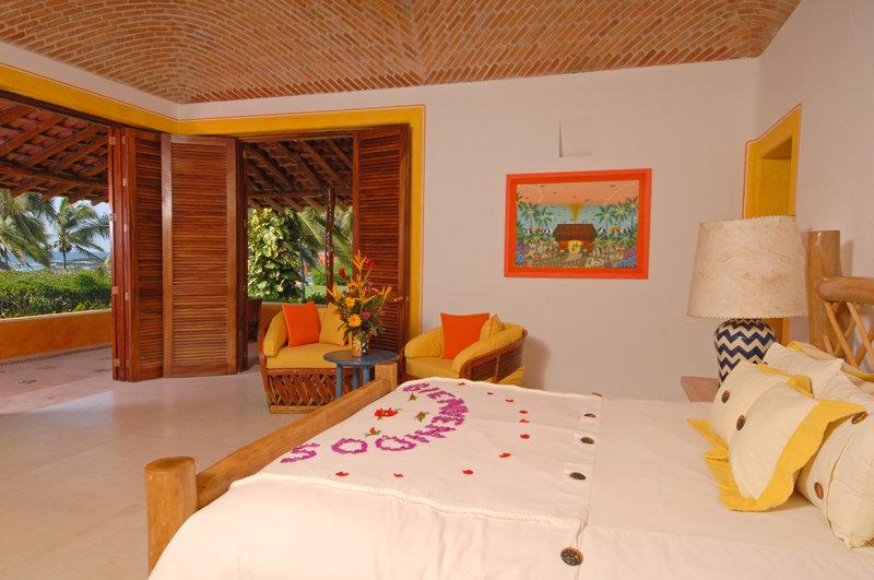 Sol Alberca Beach Front Suite