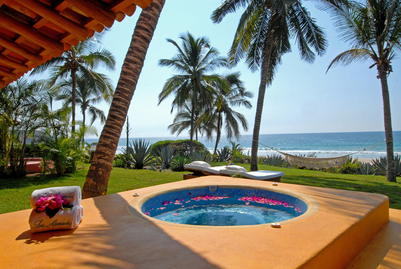 Jacuzzi Of Sol Playa Beach Front Suite