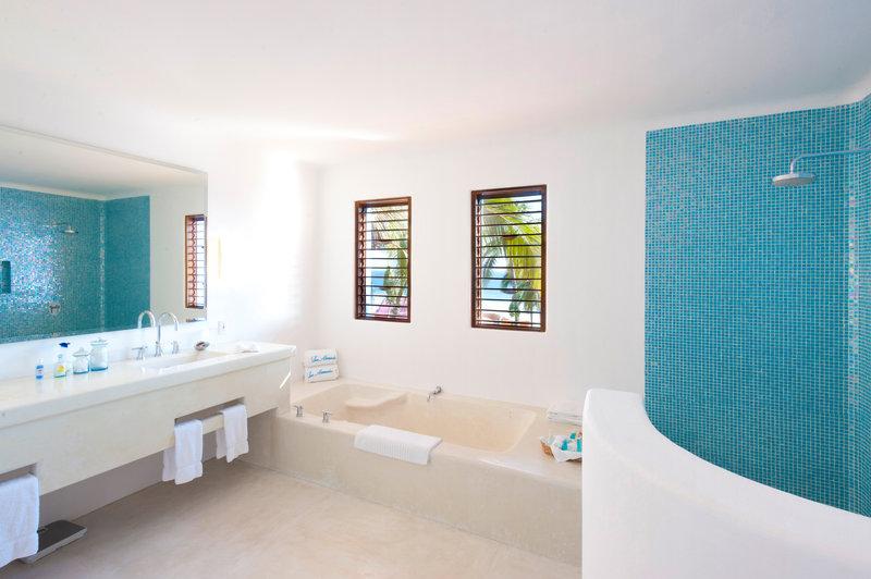 San Isidro Bathroom