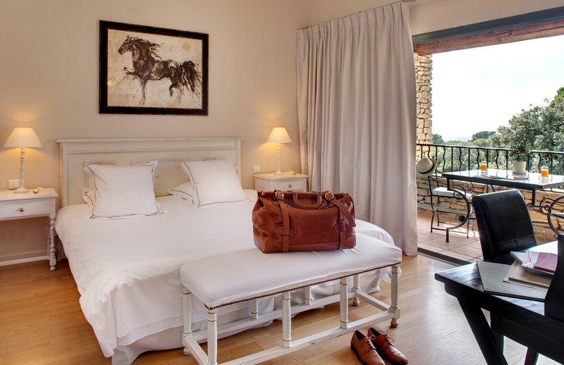 Golden Savia Deluxe Room