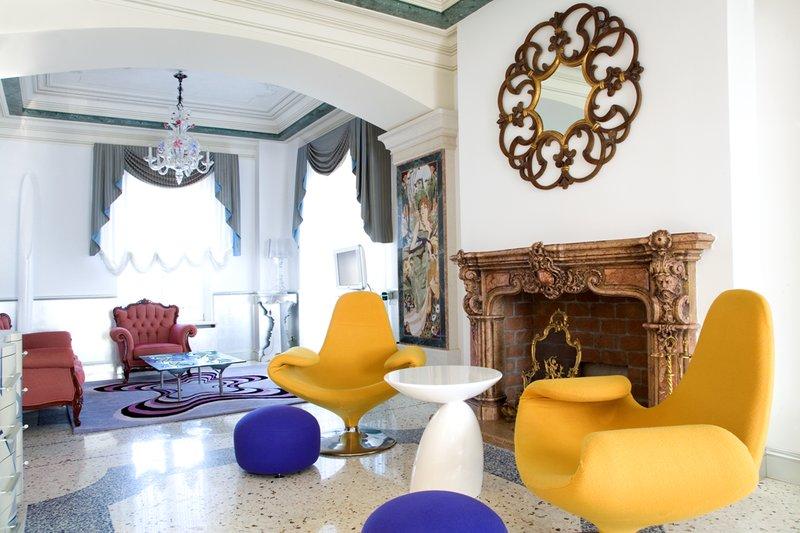 Suite Byblos Living Room