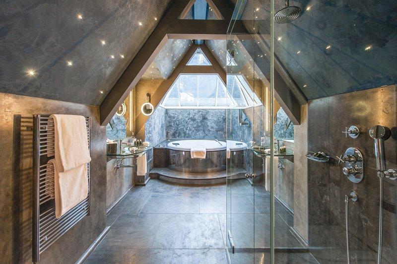 Suite Etolies Bathroom