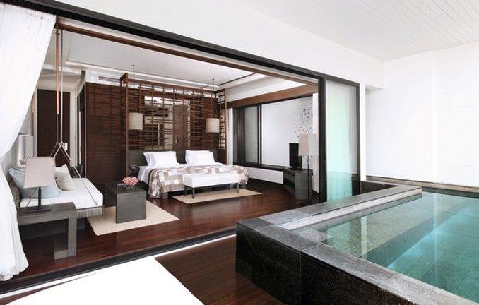 Deluxe Sky Pool Suite