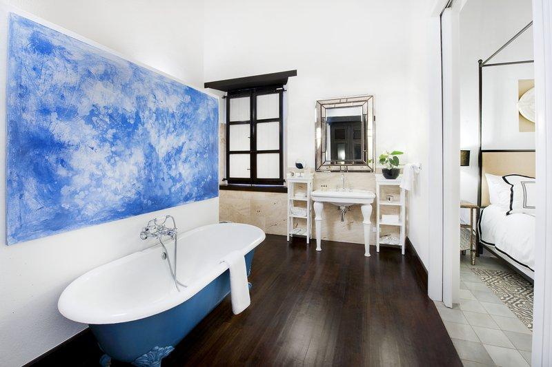 Luxury Bathroom Arbol