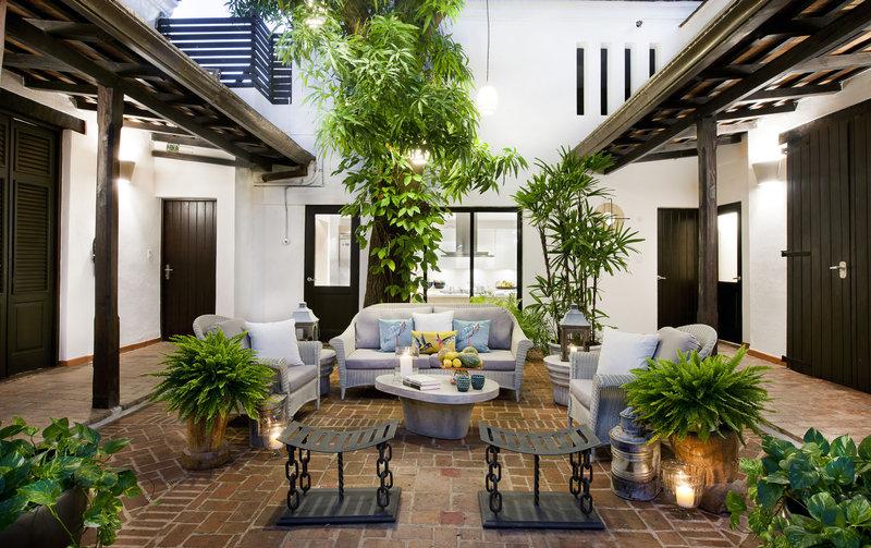 Casa del Arbol Courtyard