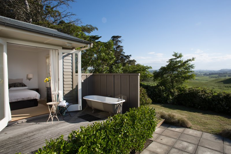 The Cottage Outdoor Bath