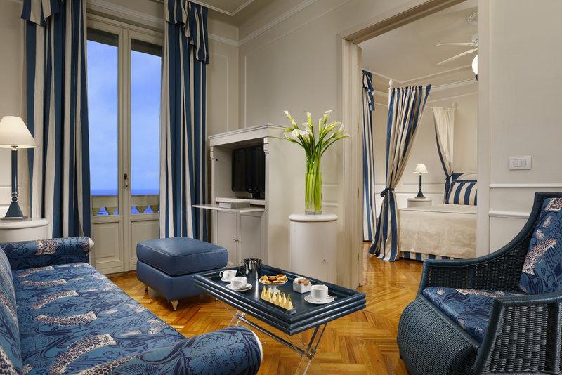 One Bedroom Suite Front Sea View
