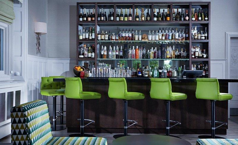 1608 Champagne Bar