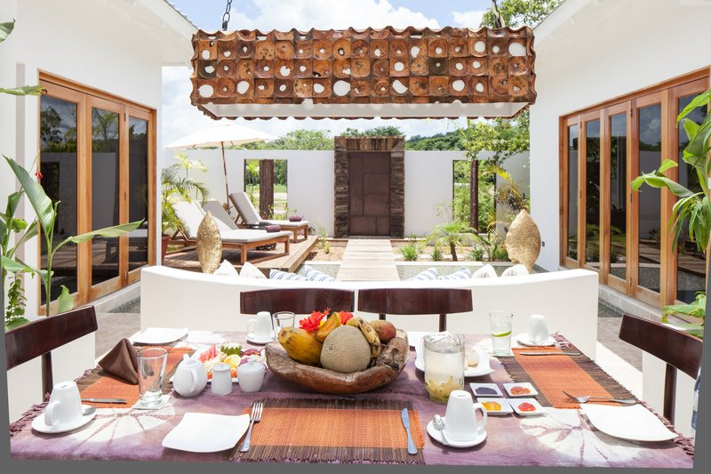 2-Bed Villa Dining Area