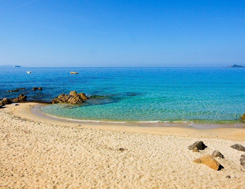 Beach Sampieriu