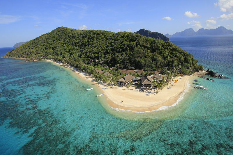 Exotic retreat with spectacular waters for diving
