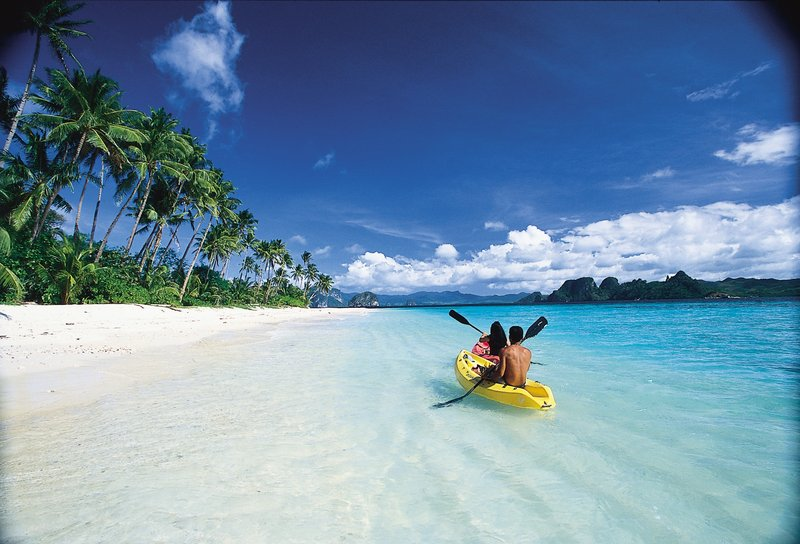 Kayaking at Pangulasian Island