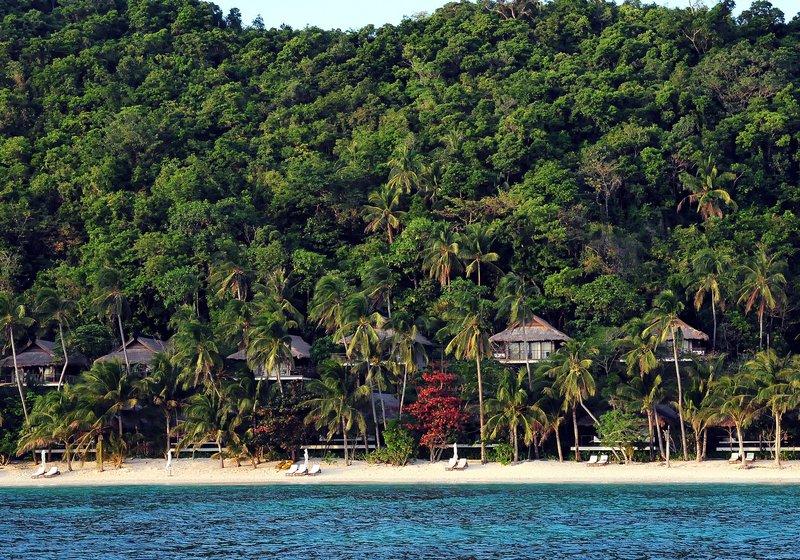 Beach and Canopy Villas