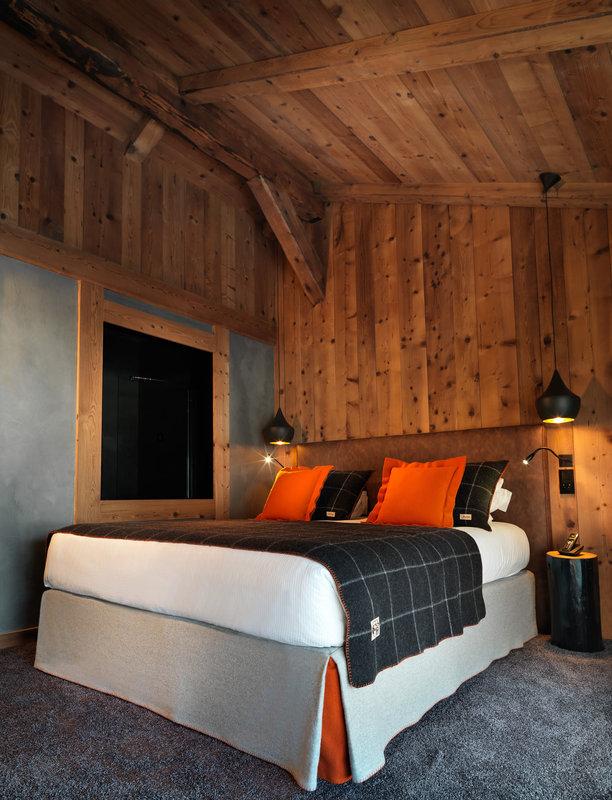Suite Deluxe Room