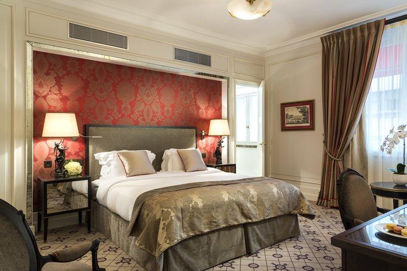Suite - Deluxe Room