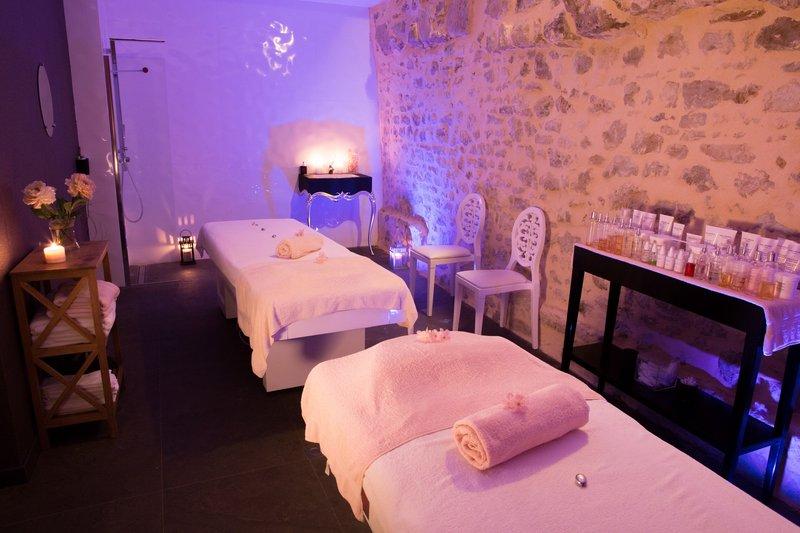 Spa Cinq Mondes Treatment Room