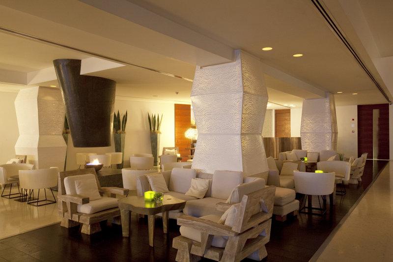 Caprice Lounge Bar