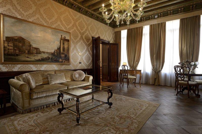 Luxury Suite Salon
