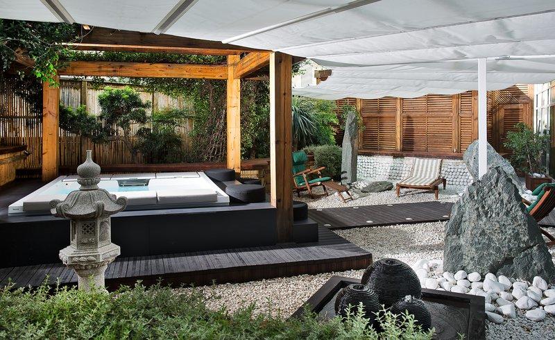 Garden & Pool Suite
