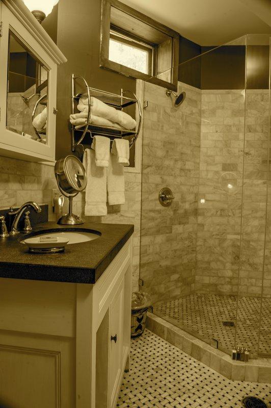 Granite Suite Bathroom