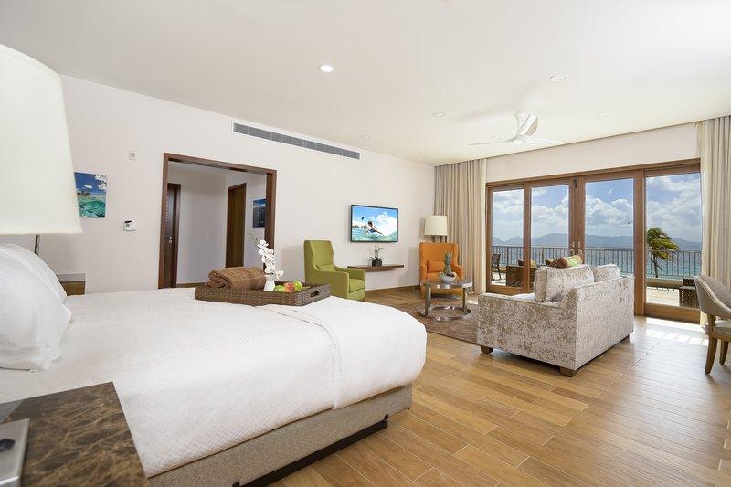 Deluxe Beachfront Junior Suite