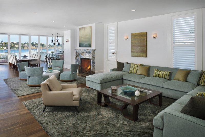 Alexandrite Suite Living Room