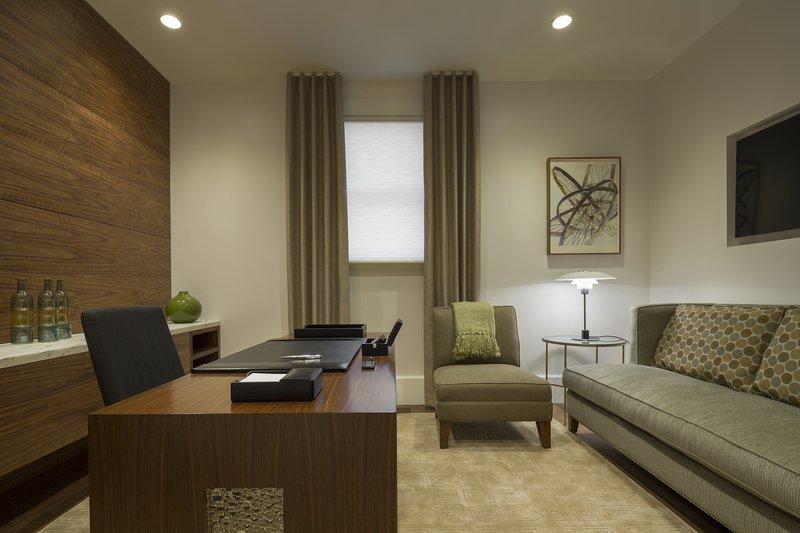 Alexandrite Suite Office