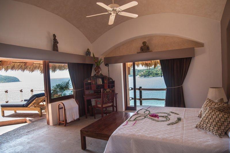 Villa El Murmullo – Oceanfront Penthouse