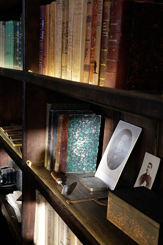 Family objects decorate the reception bookcase