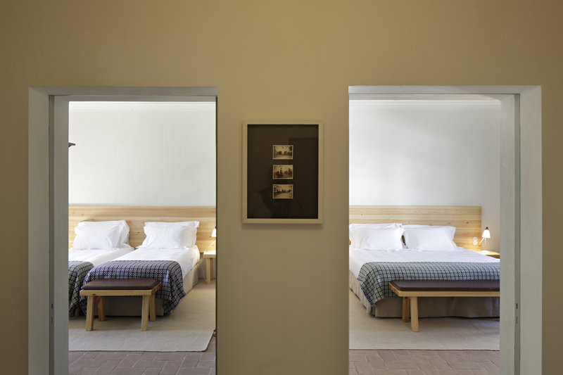 Rooms in cottages, comfy and pared-down