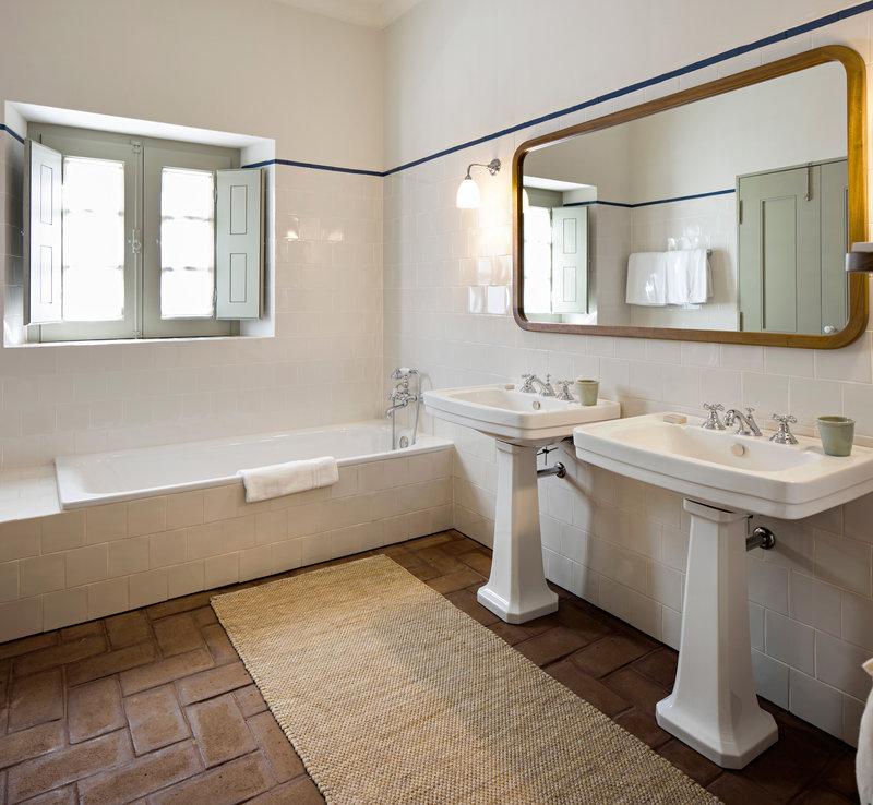 Underfloor heating gives extra comfort in bathroom