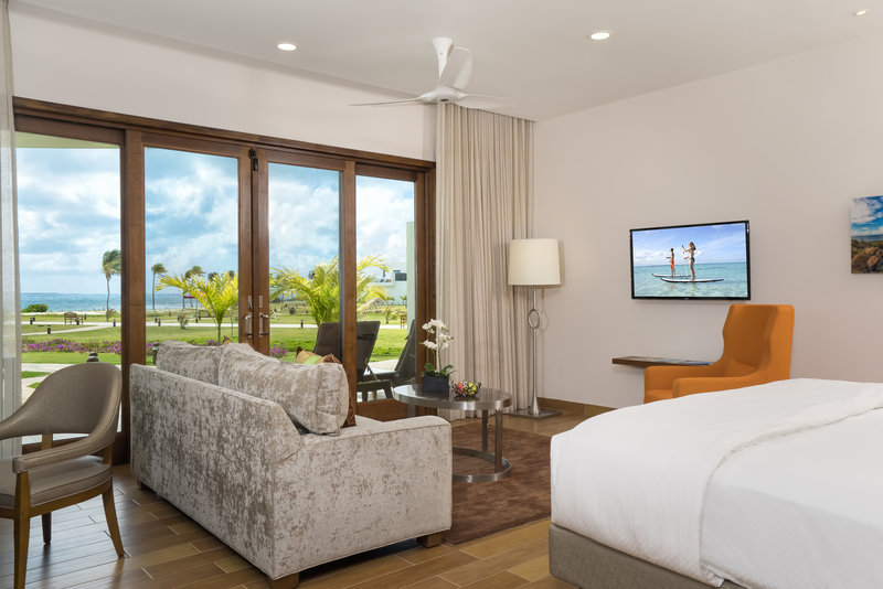 Corner Beachfront Junior Suite