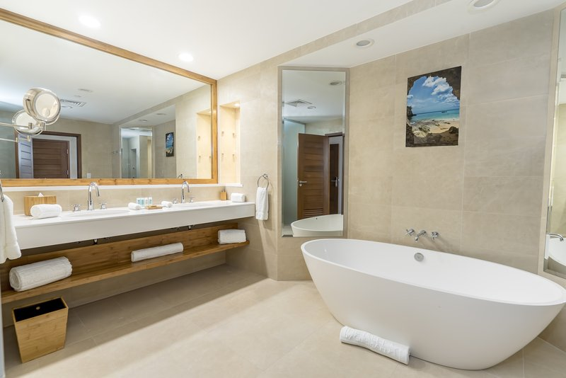 Golfview And Seaview Master Bath