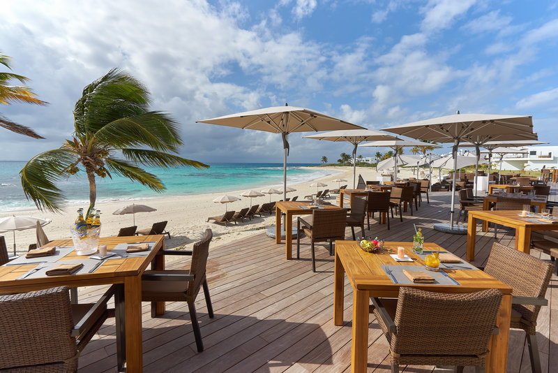 Breezes Restaurant At The Reef