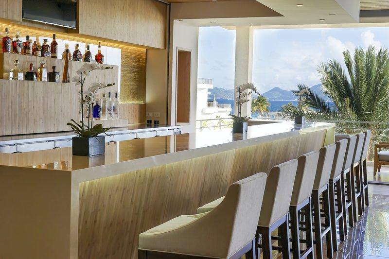 Lobby Bar Daytime