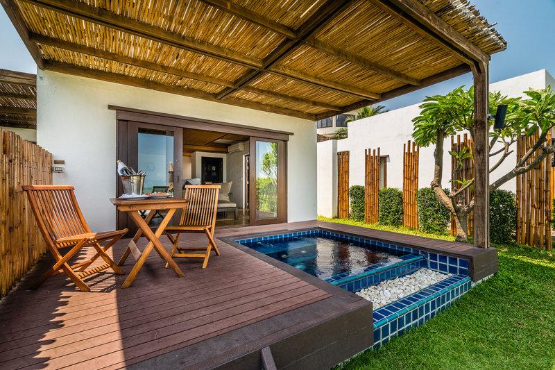 Beachfront Pool Residence