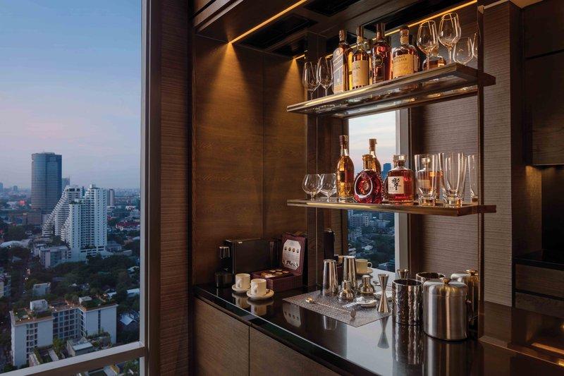 Thonburi Suite Bar