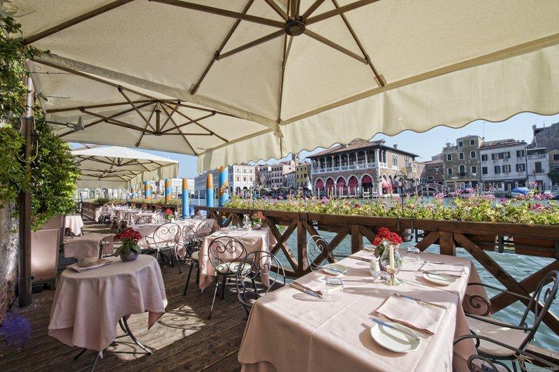 L' Alcova Restaurant Terrace